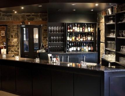 Courtyard Restaurant Bar Area